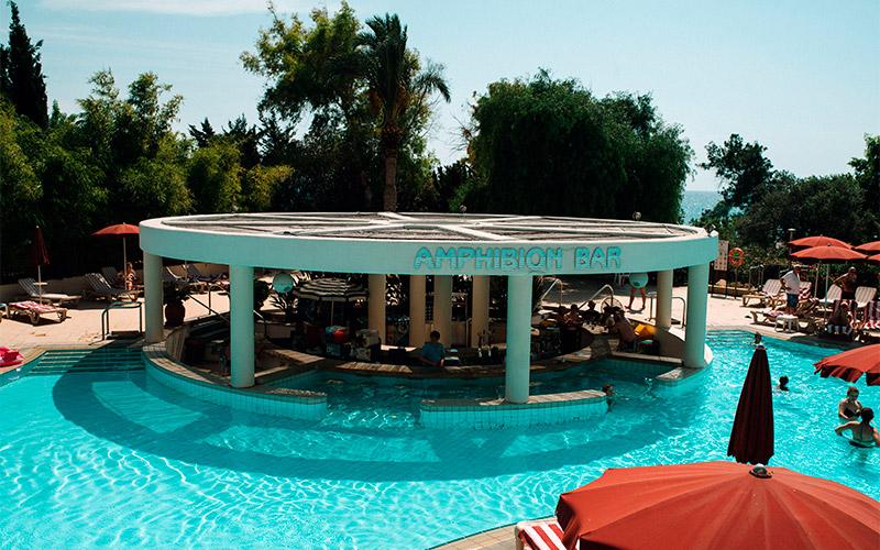 Amphibion Pool Bar