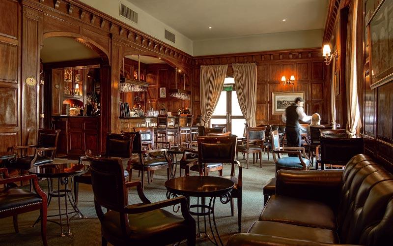 English Room/Bar