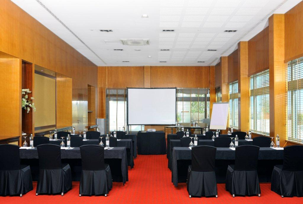 MEETING ROOM CLUB